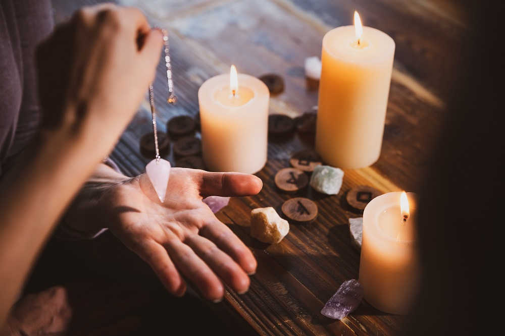 Pendulum Therapy How To Balance Body Energy For Spiritual Healing Lifestyle Updated