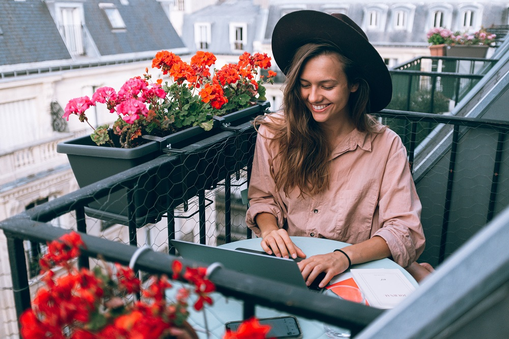 The Pros And Cons Of Freelancing Lifestyle Updated